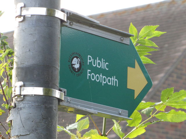 File:GB EnglandWales Public Footpath Sign 1.jpg