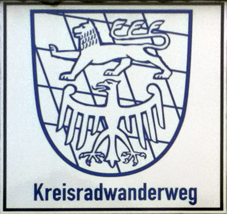 File:Cycle-route-sign Kreisradwanderweg Lkr-Starnberg.jpg