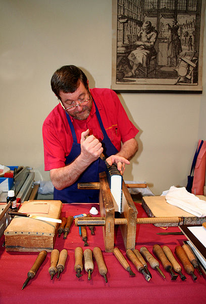 File:Traditional bookbinder.jpg