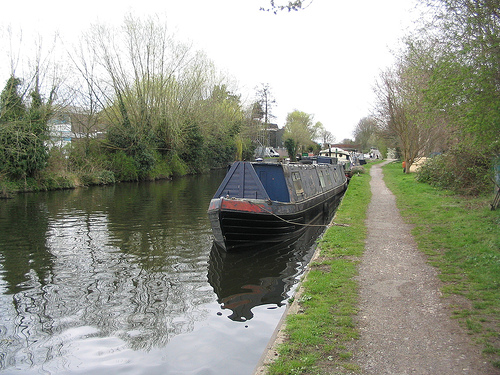 File:Grand Union Canal.jpg