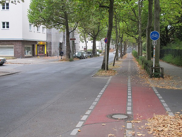 File:Cycleway right track.jpg