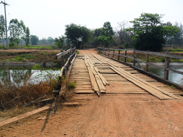 File:Wooden-bridge.jpg