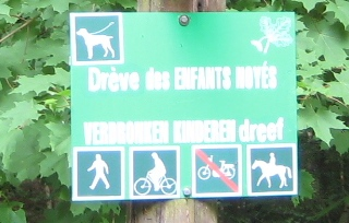 File:Image-Sonian Forest - Brussels signs - no motorcycle.jpg