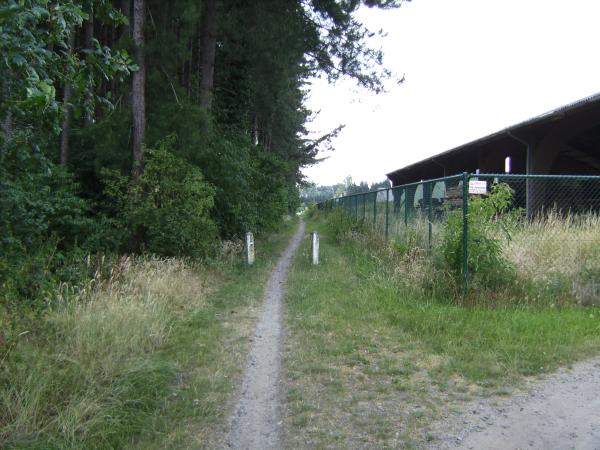 File:Belgium road path unpaved.jpg