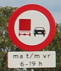 File:Hgv-no-overtaking-condition.jpg