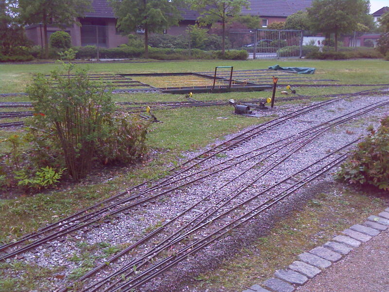File:Miniature railway.jpg