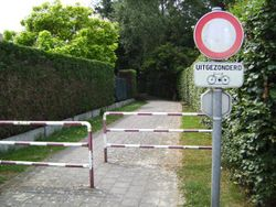 Belgium road path novehicles exceptbicycles.jpg