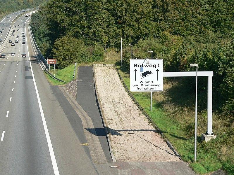runaway truck lane