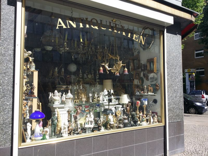 File:Shop antiques berlin.jpg