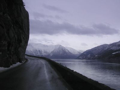 Norway-Rv7-important single lane road.jpg