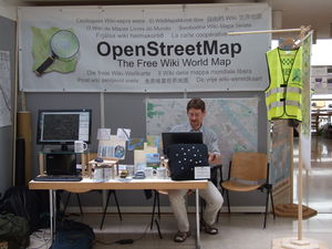 Holger, OSM-Stand, AGIT 2012