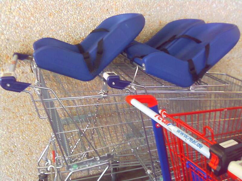 File:Trolley for baby.jpg
