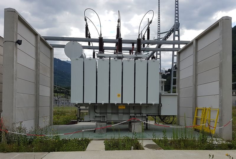 File:Power transformer distribution2.jpg