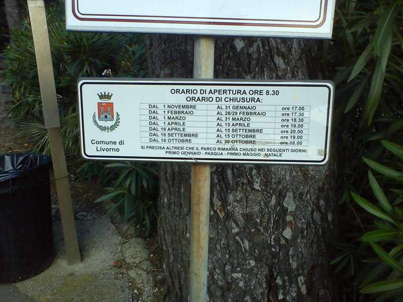 File:Opening hours parks in livorno.jpg