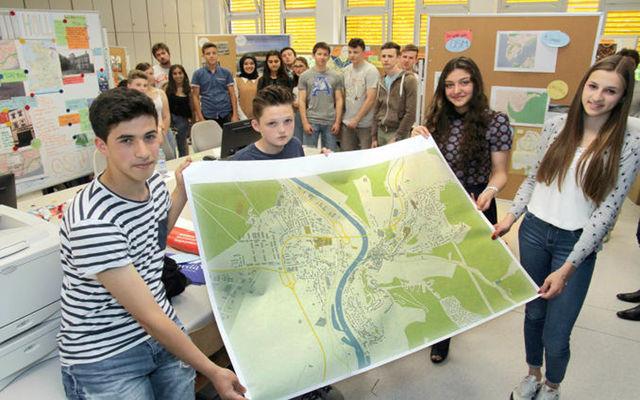 Mapping Santa Trega