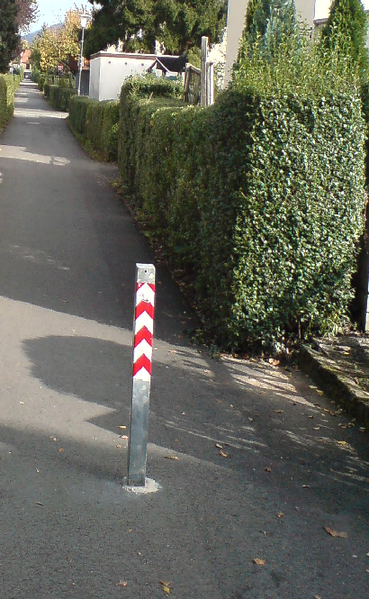 File:Bollard in residential area.png