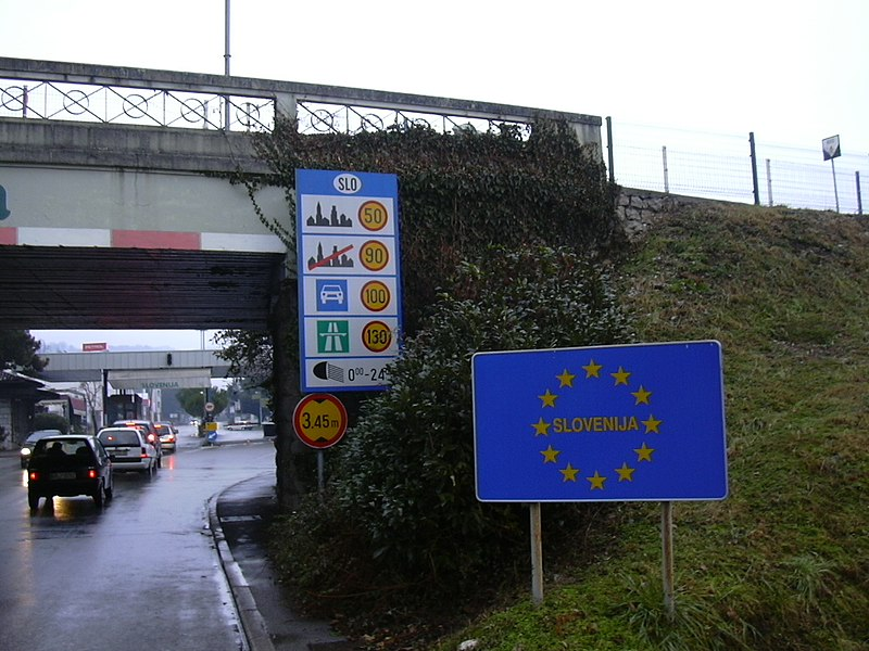 File:BorderITSLO.jpg