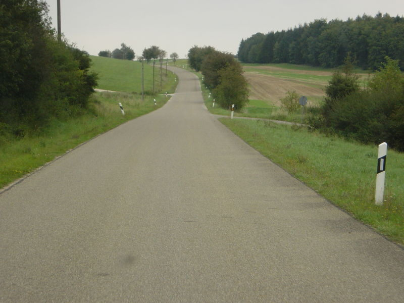 File:Highway tertiary-photo.jpg