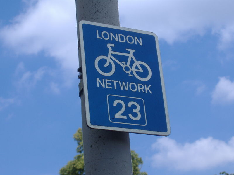 File:Cycle route sign.jpg
