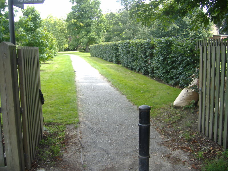 File:Footpath-paved-1.jpg
