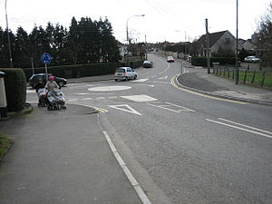 Mini-roundabout - geograph.org.uk - 129129.jpg