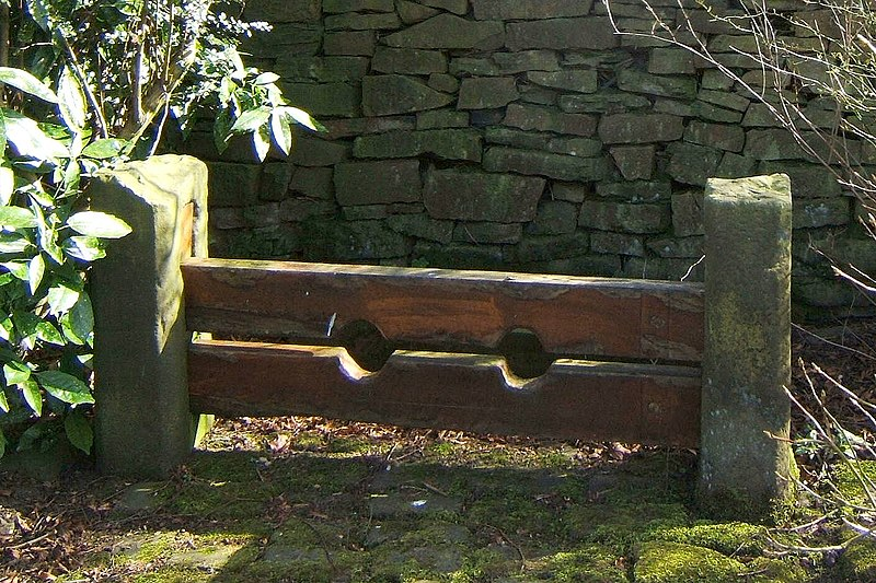 File:Chapeltown Stocks.jpg