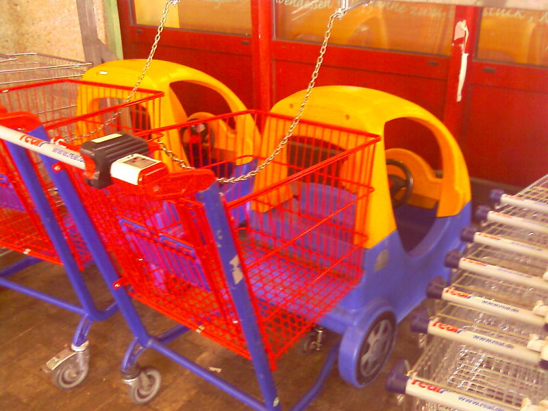 File:Trolley for small children.jpg