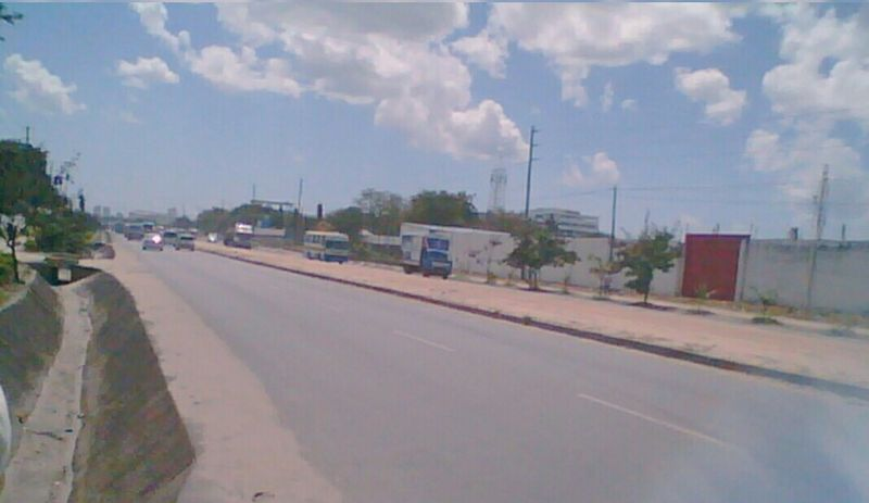 File:Kilwa Road.jpg