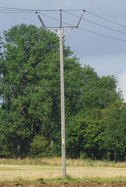 File:132kV-trident-pole.jpeg
