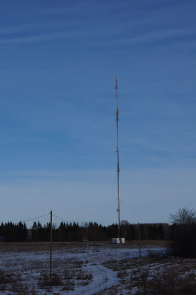 File:Mobile communications mast.JPG