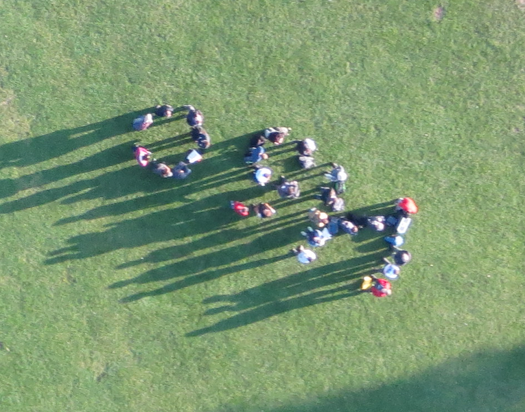File:SOTM Scotland 2015 drone group photo.png