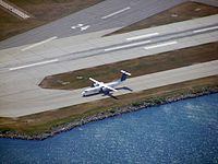 Bombardier Dash 8 taxiing at Toronto Island Airport.jpg