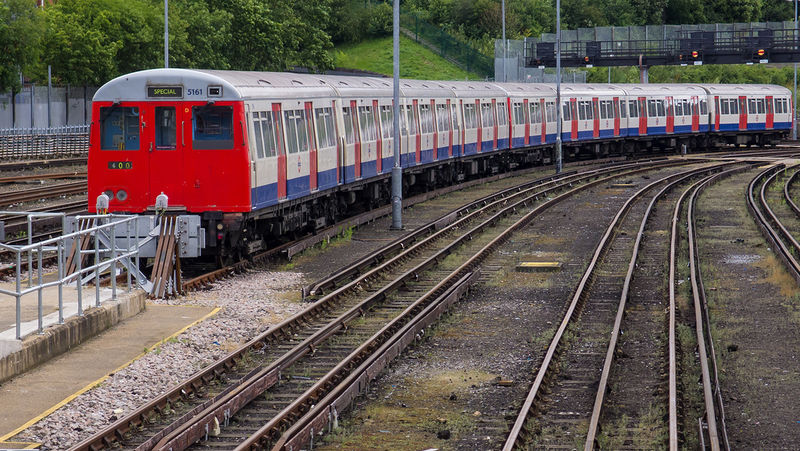 File:London underground siding.jpg
