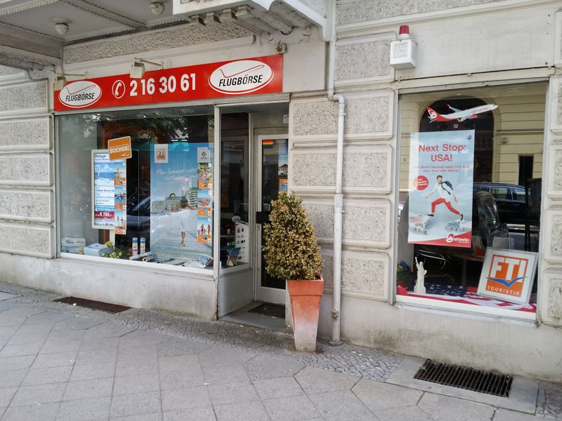 File:Shop travel agency-2 berlin.jpg