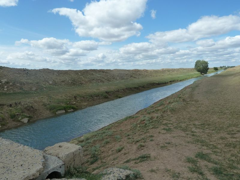 File:Irrigation canal.JPG