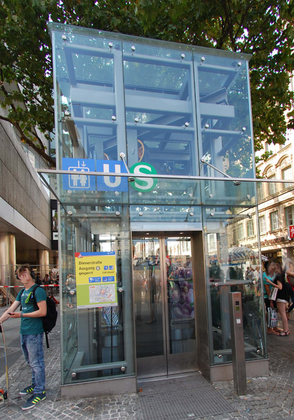 File:Marienplatz Lift Lift MP05.png