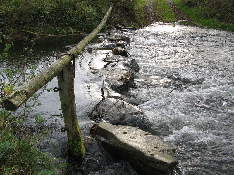 "File:Stepping stone ""bridge"" — not for wimps (2).jpeg"
