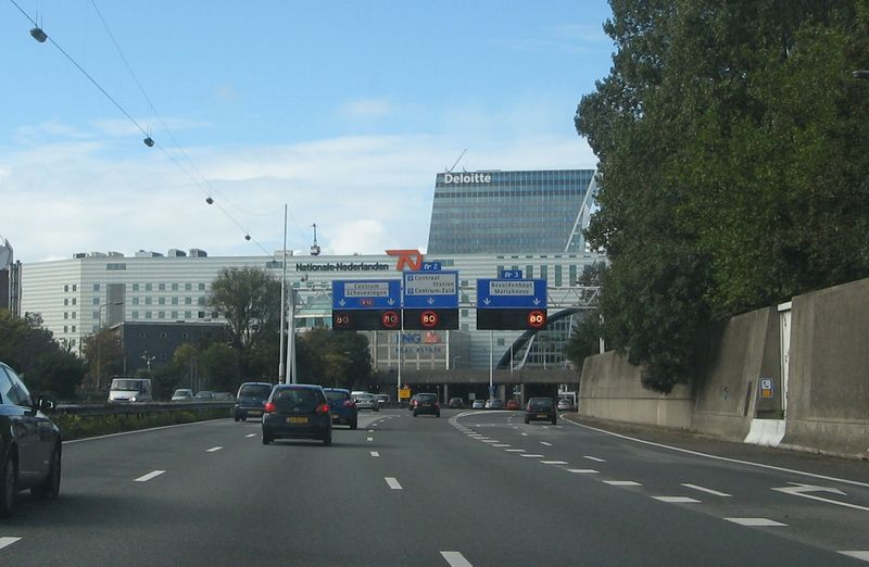 File:A12 Den Haag junction 2 and 3.jpg