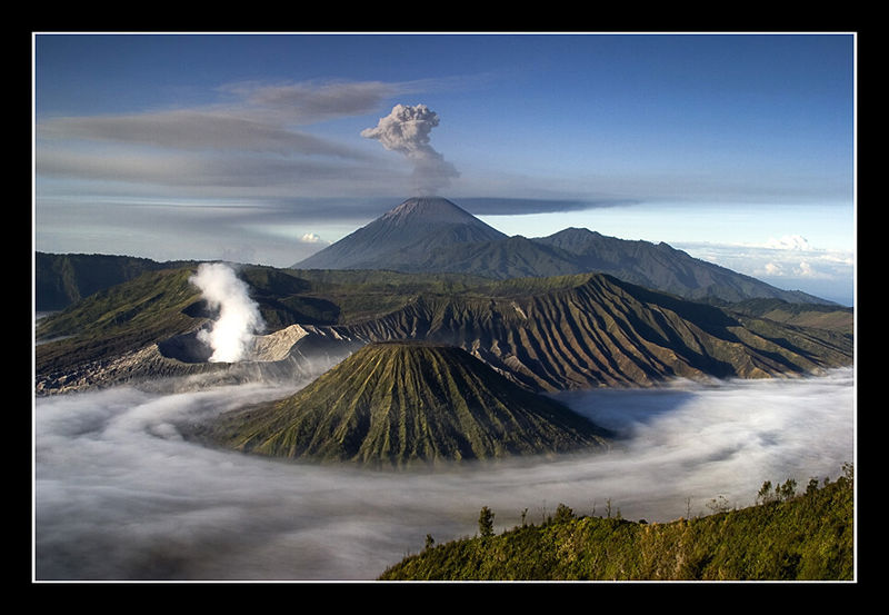 File:Bromo semeru low clouds1.jpg