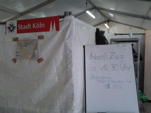 Drehscheibe Köln. OSM-Karte im Helferzelt.jpg